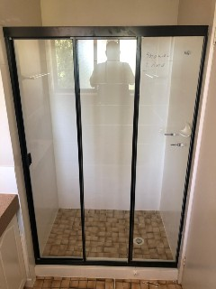 Fully-framed-shower-screen-wall-to-wall-with-sliding-door-Black-Matt