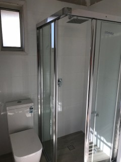 shower-screen-fully-framed-corner-entry-chrome-sliding-both-sides
